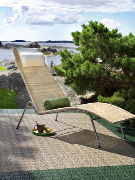 Terrasse mit XL Bodenfliesen